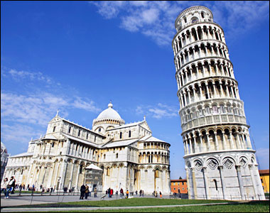 Italy+leaning+tower+of+pisa+at+night