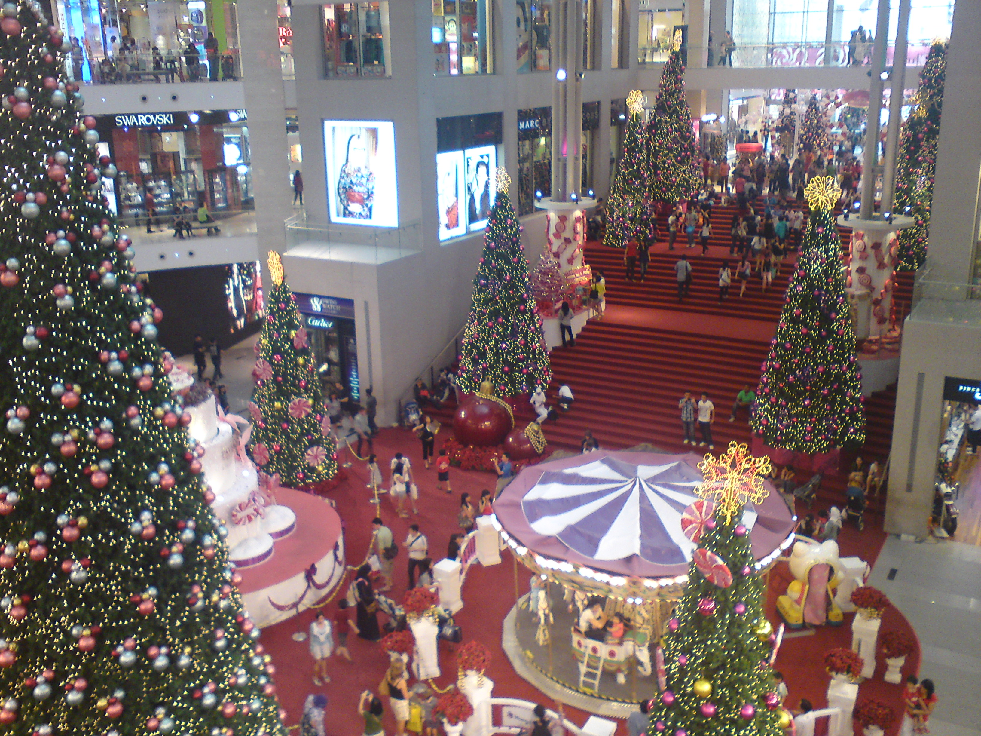 2011 christmas decoration at pavilion kl my blog city by for Christmas ceiling decorations