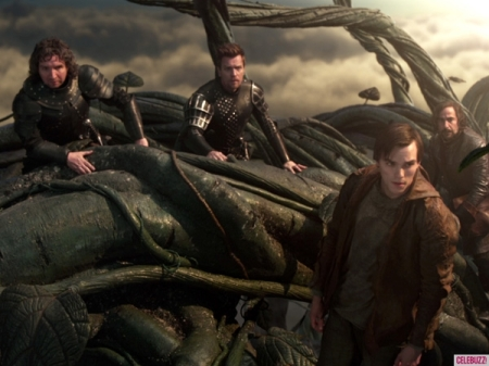 ewan-mcgregor-nicholas-hoult-jack-the-giant-slayer-600-600x450