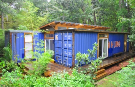 cozy-shipping-containers-33