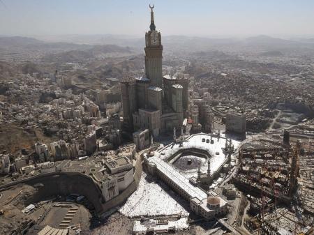 Makkah-Royal-Clock-Tower-Hotel-Wallpaper-10