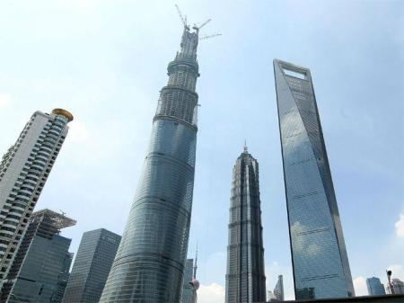 stands-next-to-jinmao-tower-world-financial-center