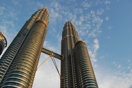 1295819420-petronas-towers-wikimedia-commons-528x351