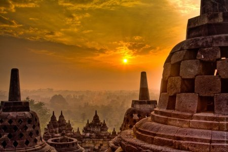 Sunrise-At-Borobudur-Temple-Peep-Indonesia-HD-Wallpaper