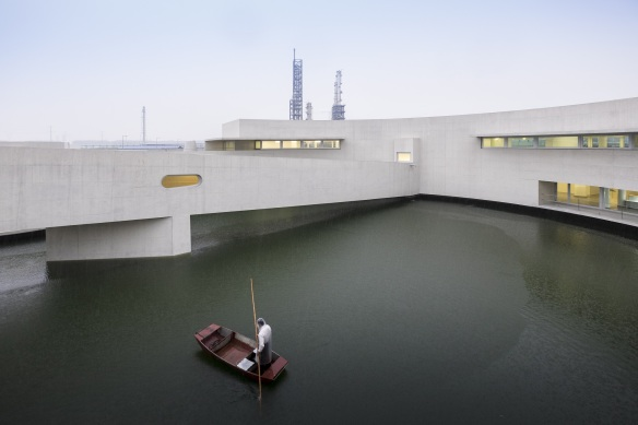 53e8eed9c07a80c384000156_the-building-on-the-water-lvaro-siza-carlos-castanheira_361