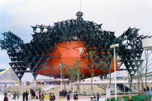 55422c75e58ece50290003bc_the-architectural-lab-a-history-of-world-expos-_1291231011-toshiba-ihi-pavilion-530x353
