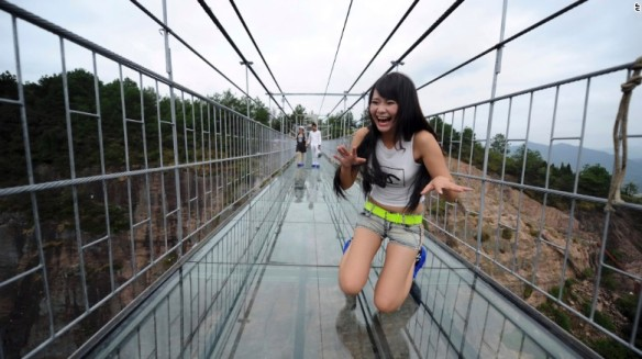 150925111248-china-glass-bridge-exlarge-169
