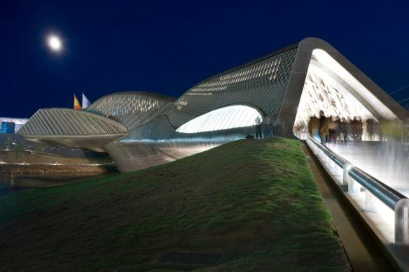 5-zaragoza-bridge-pavilion-by-zaha-hadid-architects-2008-zaragoza-spain-luke-hayes