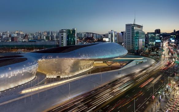 Zaha-Hadid_Dongdaemun-Design-Plaza-Seoul_VSB_01