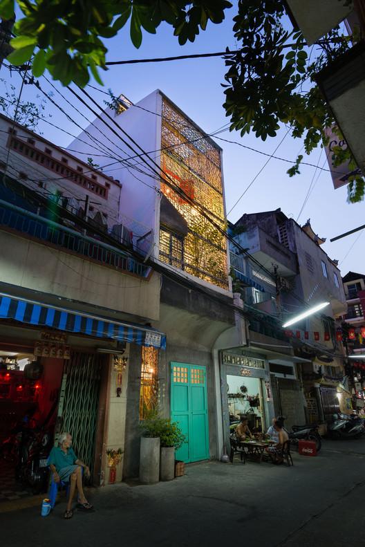 HOUSE_-_Saigon_House_by_a21_Studio__Vietnam