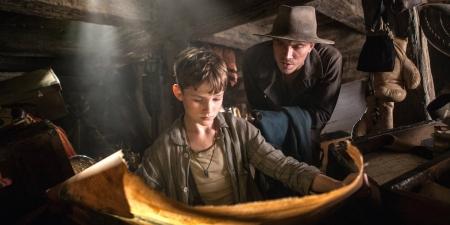 pan-movie-reviews-2015-levi-miller-garrett-hedlund