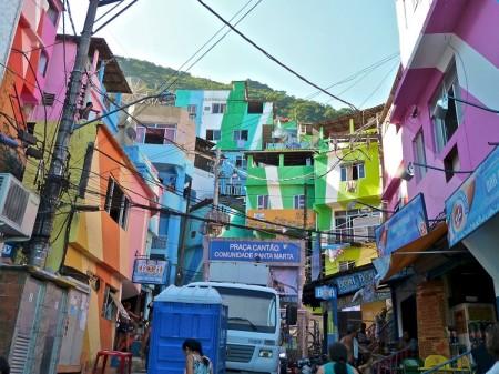 Santa_Marta_Favela__flickr_alobos_Life