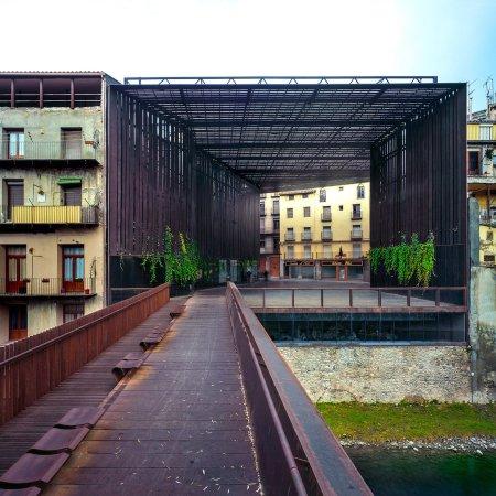 la-lira-theater-public-open-space-ripoll-girona-spain-j-puigcorbe-rcr-arquitectes-roundups_dezeen_sq